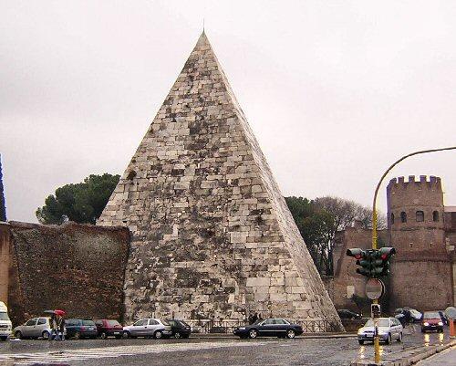 pyramid_cestius03