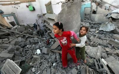 israel-gaza-shoes_2402255b1