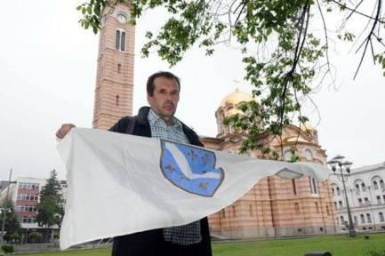 Sejfudin Tokić sa zastavom RBiH