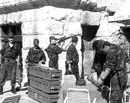 5 Oruzane snage ZNG salju miroljubive porukegradjanima Pule